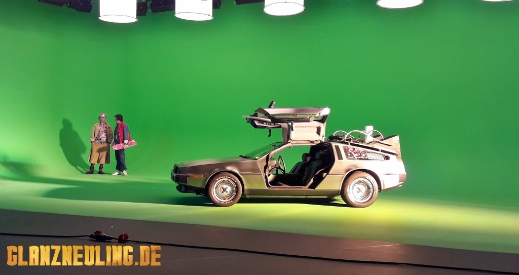Doc Brown und Marty McFly am Delorean