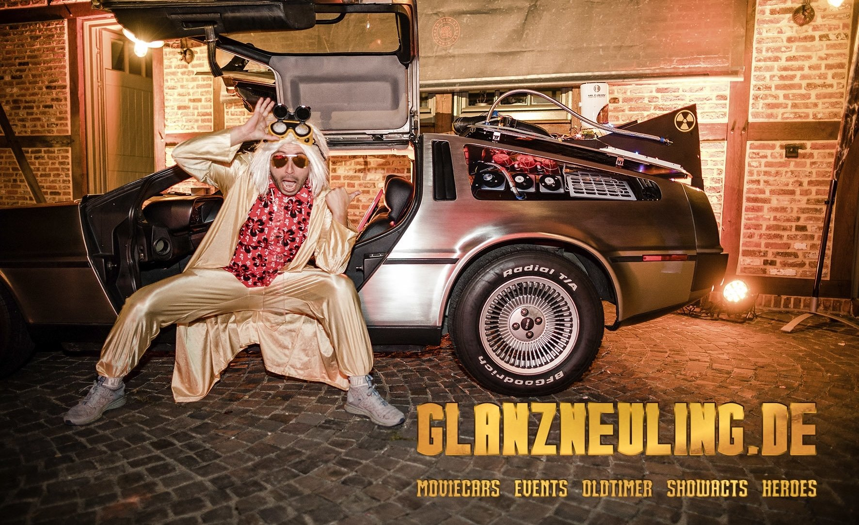 Doc tanzt am Delorean