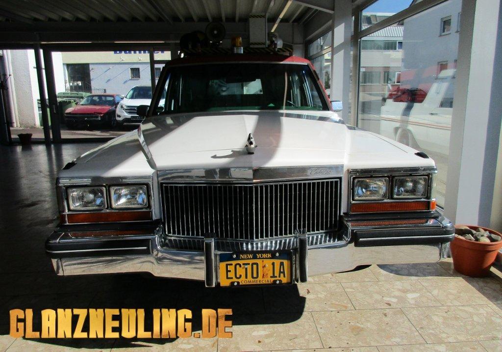 Cadillac Leichenwagen mieten