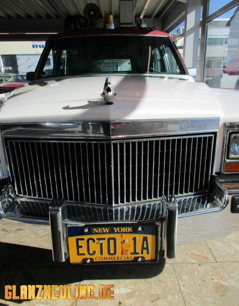 Cadillac Leichenwagen Fleetwood mieten