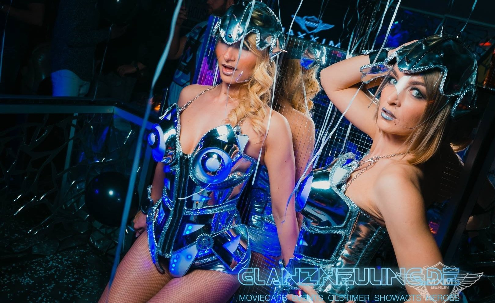 Silver Future Girls als Robot Show und LED Event mieten buchen