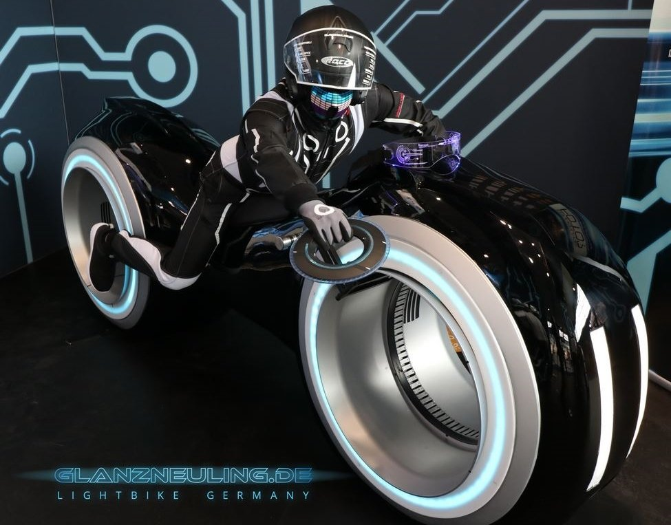 futurebike lightbike mieten mit biker im VR LED  Gaming LOOK