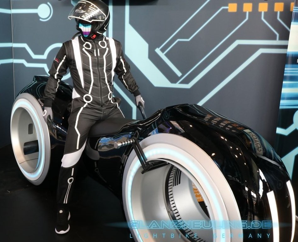 lightcycle with futurebiker like Vitrual reality game mieten