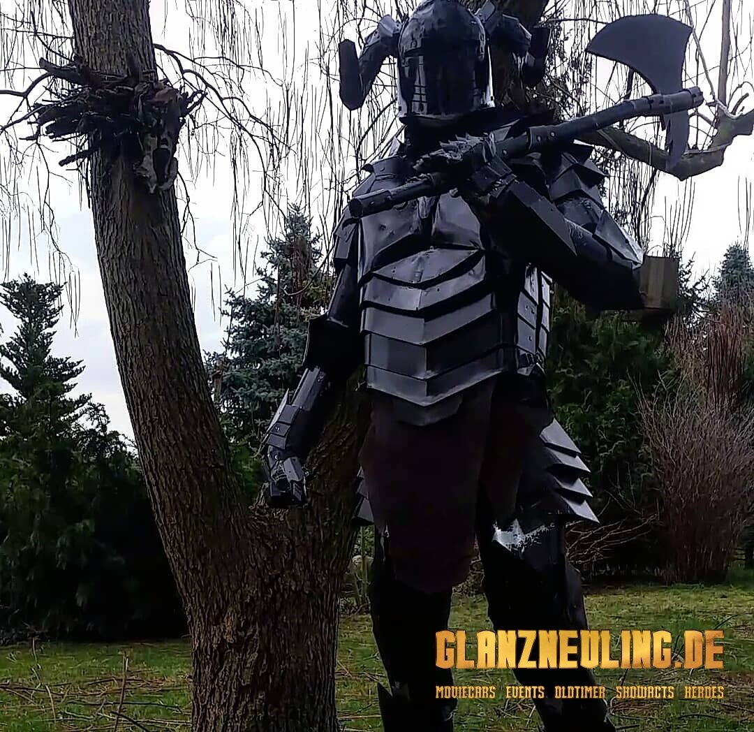 Mittelalter Event Dark KNight mieten mit Axt