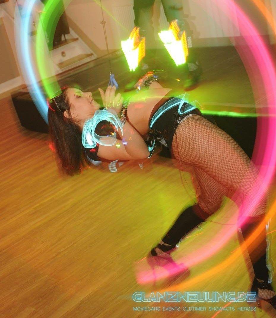 LED Neon Jongleur Show für PArty Event Silvester