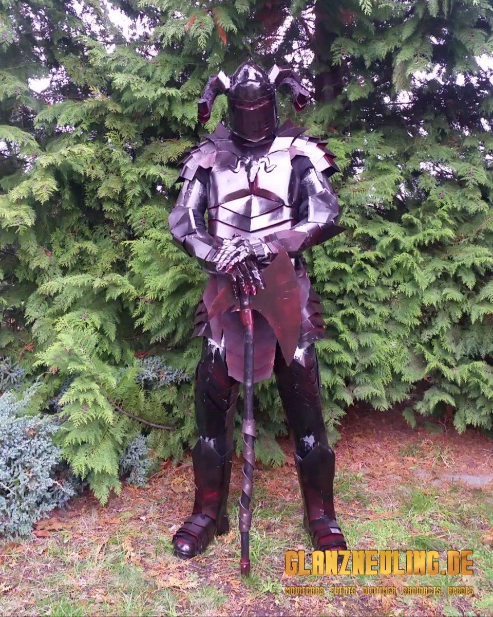 Schwarzen Ritter mit Streitaxt mieten Mittelalter Event