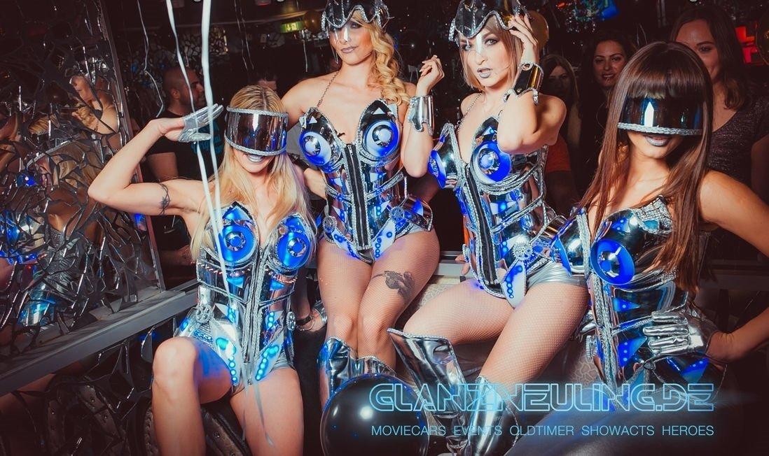 Robot Future Girls mieten Show Party Event