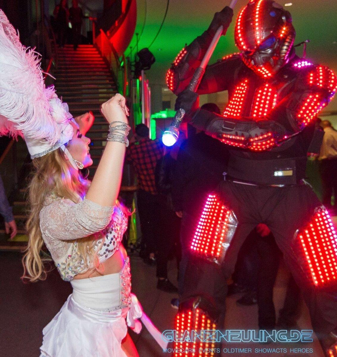 Stelzenläufer LED Show mieten