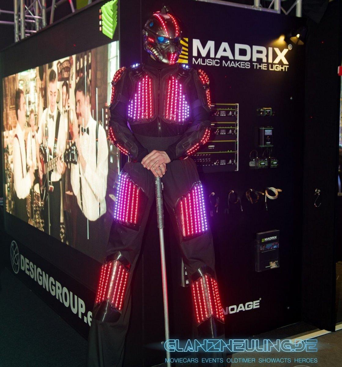 Stelzenläufer mieten Event Party Messe LED