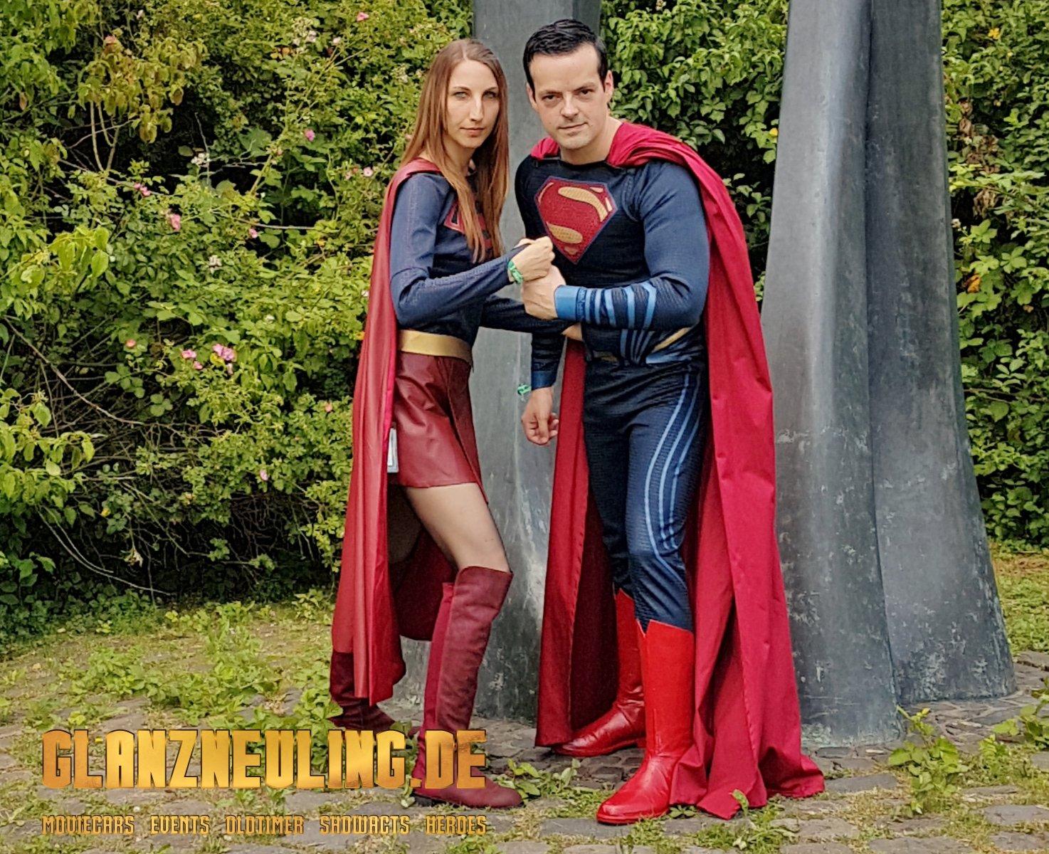 Superwoman und Superman mieten