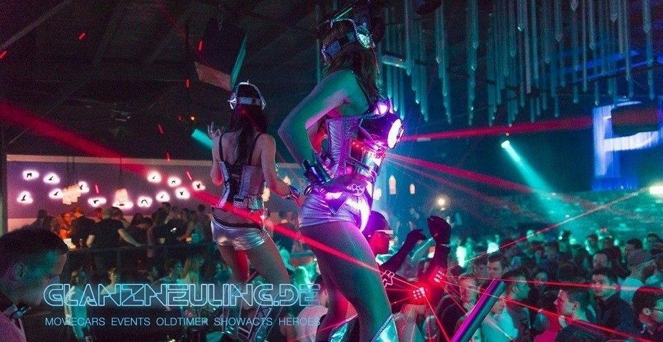 Tänzerinnen mit Laser mieten