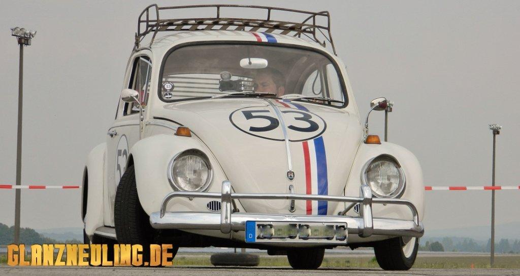Retro Hochzeit mit VW Käfer Herbie