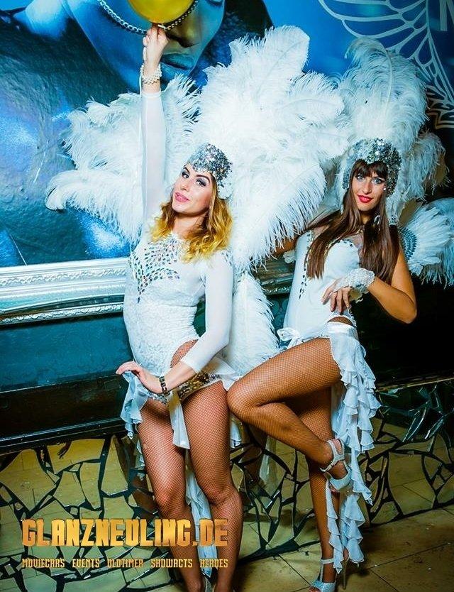white dancegirls buchen